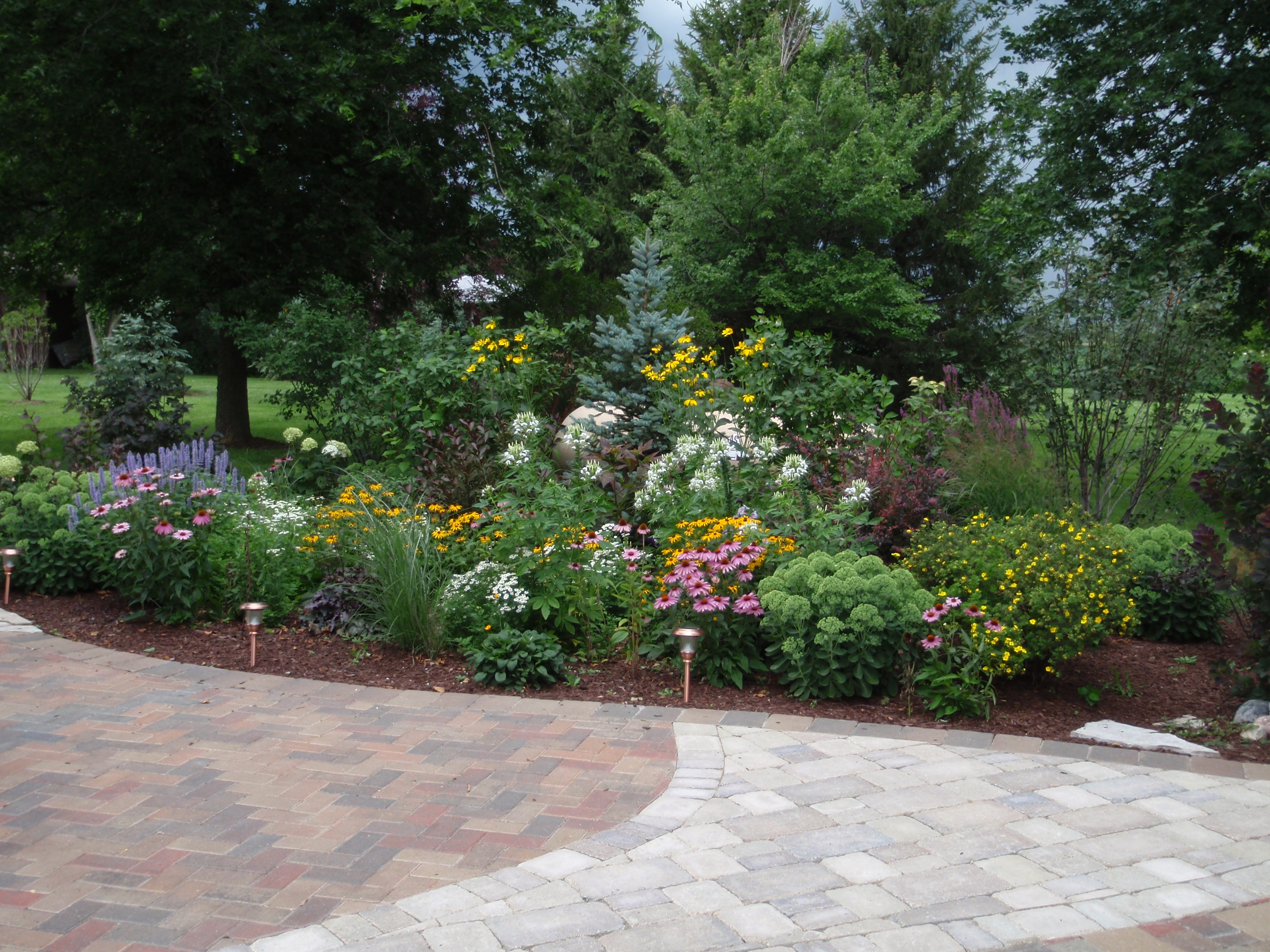 S n g design inc landscape design installation contractor for Garden designs images pictures